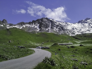 Route en direction du cornet de Roselend